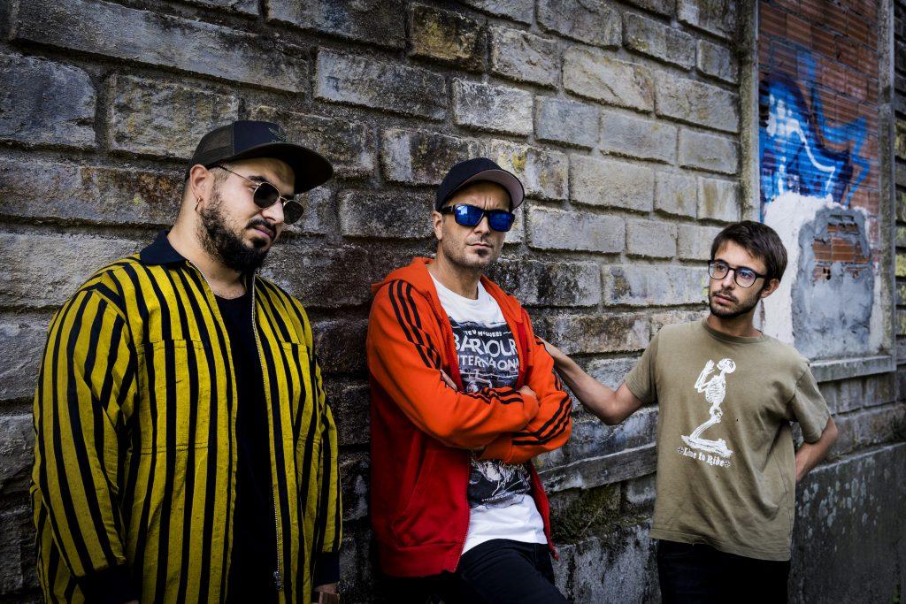 dA Trio: Reflexións Promo Shoot